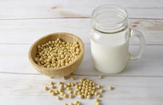 นมถั่วเหลือง กี่แคล กินอย่างไรให้ได้ประโยชน์ต่อสุขภาพมากที่สุด